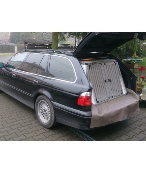 BMW 5 Exklusiv transport box for dogs